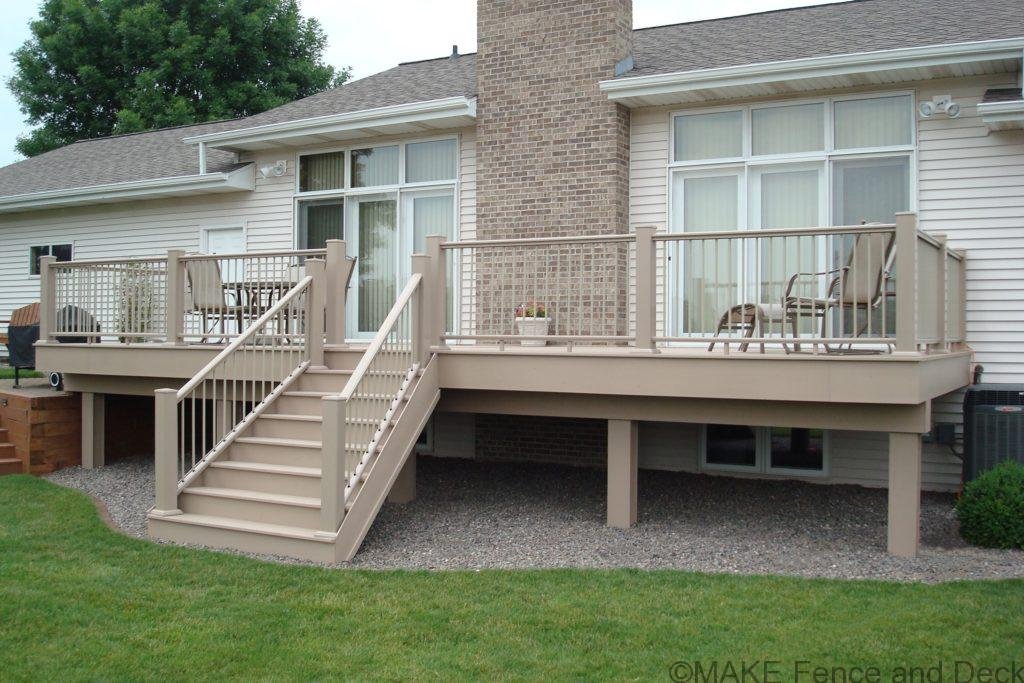 Brownstone Azek decking with Brownstone Azek railing