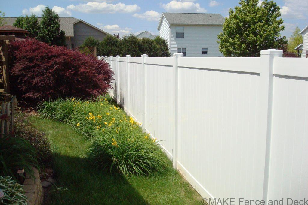 white vinyl privacy fence Madison 6' tall