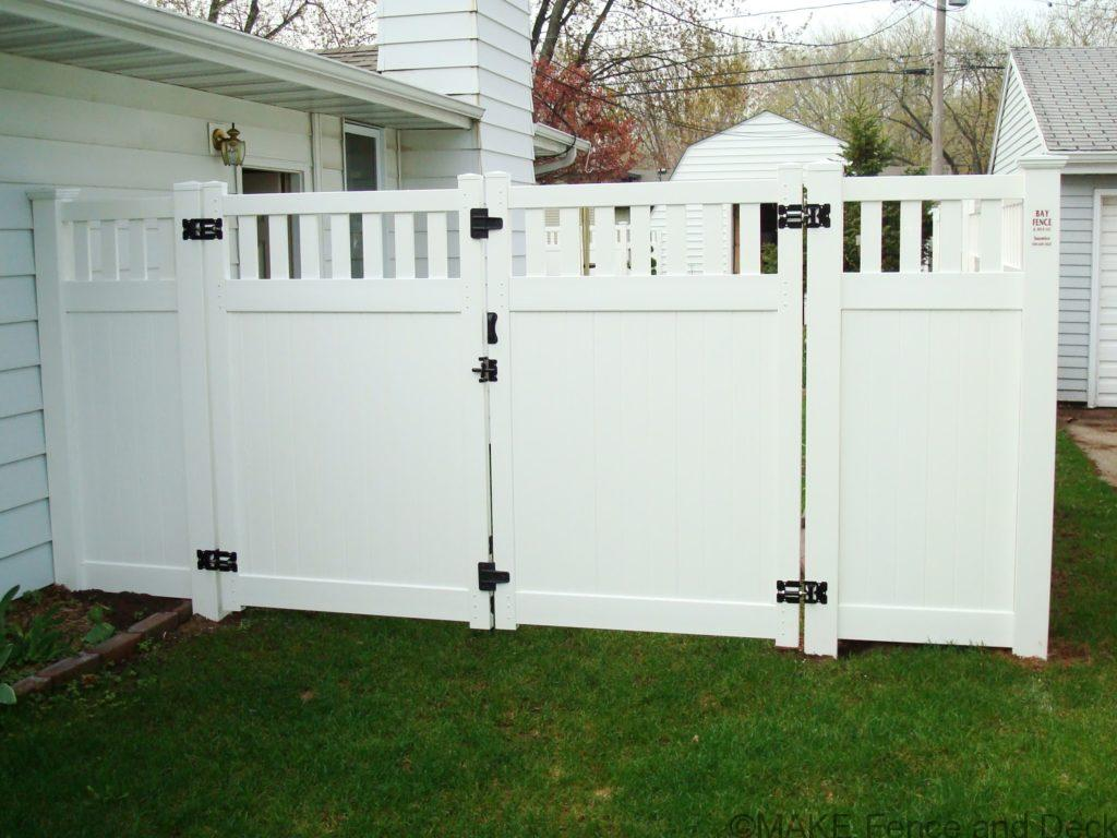 white vinyl privacy fence Medford with double gate 6' tall