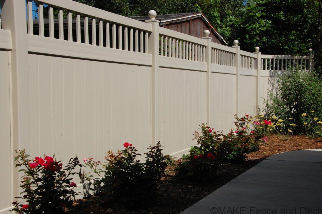 tan vinyl privacy fence Merimac 6' tall
