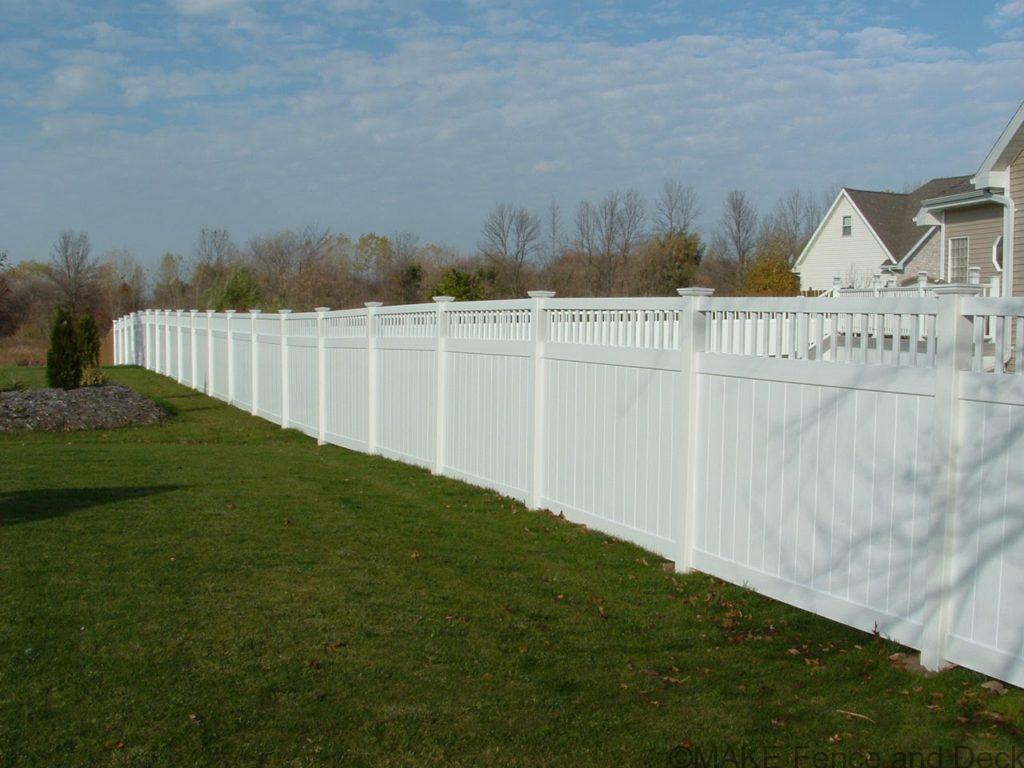 white vinyl privacy fence Merimac 6' tall
